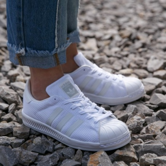 5918b6635 New - Adidas Superstar Bounce J - Pure White